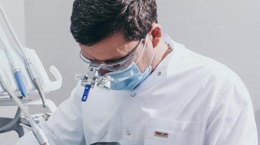 Хирургия и имплантация зубов